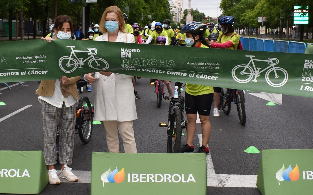 Bicicletas solidarias ruedan por la Castellana para apoyar presencialmente a los niños y niñas con cáncer
